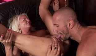svart ridning kuk fitte orgasme