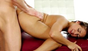 Sara Luvv getting drilled in her massage appointment