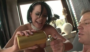 Rocco Siffredi acquires seduced by Tara White and then copulates her face hole after back swing fucking