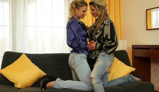 Vibrator make these lesbian babes whine in ecstacy