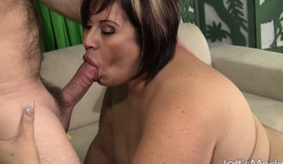 Luscious mature Latina loves to get her snatch pounded unfathomable and rough