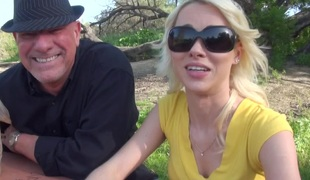 naturlige pupper blonde hardcore slikking blowjob truser fingring fitte fetish par