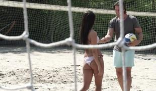 tenåring vakker kyssing utendørs blowjob sædsprut truser ridning små pupper bikini