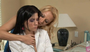 Naomi Knight & Rebeca Linares & Nayomi Knight in Lesbian Seductions #21, Scene #03