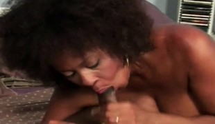 Curvaceous chocolate mom enjoys a relaxing massage and a good fucking