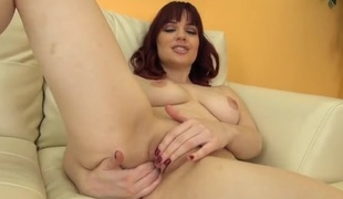 Delicious Jessica Ryan gets naked and turns on her cunt