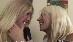 blonde kåt morsomt