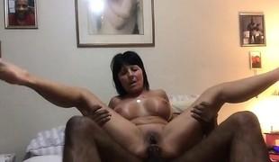 amatør brunette anal store pupper handjob