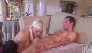 rumpehull anal deepthroat blowjob onani facial ass-til-munn fitte slikking doggystyle blowbang