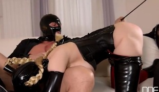 Latex fetish 3some fuck with a submissive slut