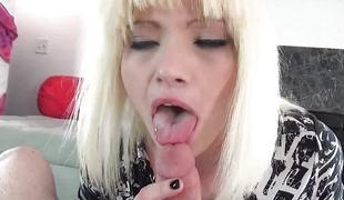 amatør synspunkt blonde blowjob leketøy gagging rimjob