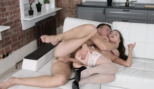 european brunette babe hardcore blowjob lingerie strømper doggystyle hd
