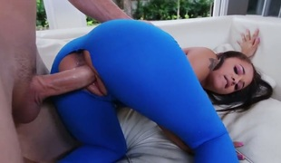 Brunette with phat butt gets jizzed on after sex with hawt dude