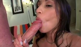 naturlige pupper brunette stor rumpe hardcore deepthroat pornostjerne blowjob sædsprut ass interracial
