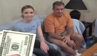 penger virkelighet naturlige pupper blonde hardcore blowjob sædsprut facial trekant cowgirl
