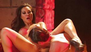 anal blowjob sædsprut ridning stor kuk asiatisk braziliansk fitte slikking cowgirl doggystyle
