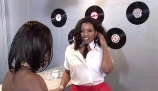 Stunning ebony lesbian in high heels gets eaten out